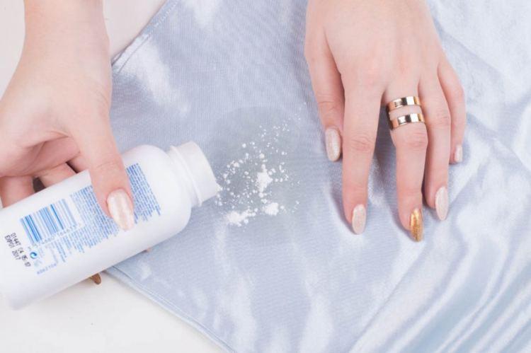 Чем отстирать машинное масло с одежды, линолиума, ковра и прочих поверхностей
