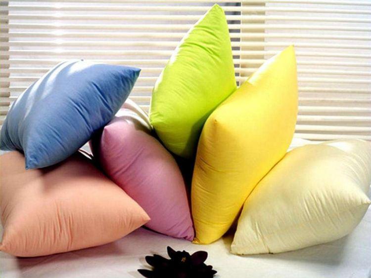 Как постирать перьевую подушку дома