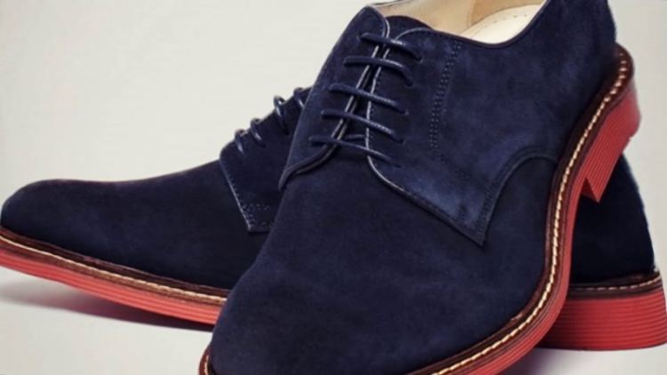 Как растянуть зимнюю замшевую обувь