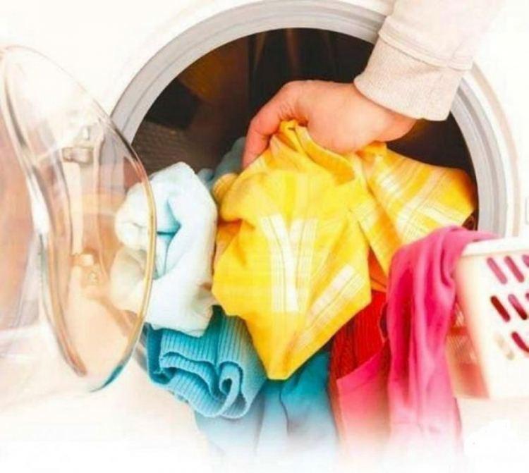 Как удалить суперклей с одежды и ткани
